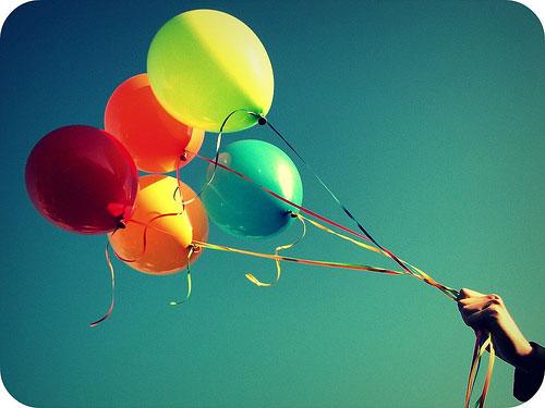 Uçan balonlar belli bir süre sonra (yaklaşık 1 gün) uçamaz. Neden?