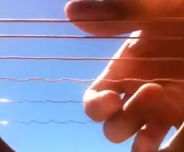 Sesin titreşim olduğunu gösteren ilgi çekici bir video